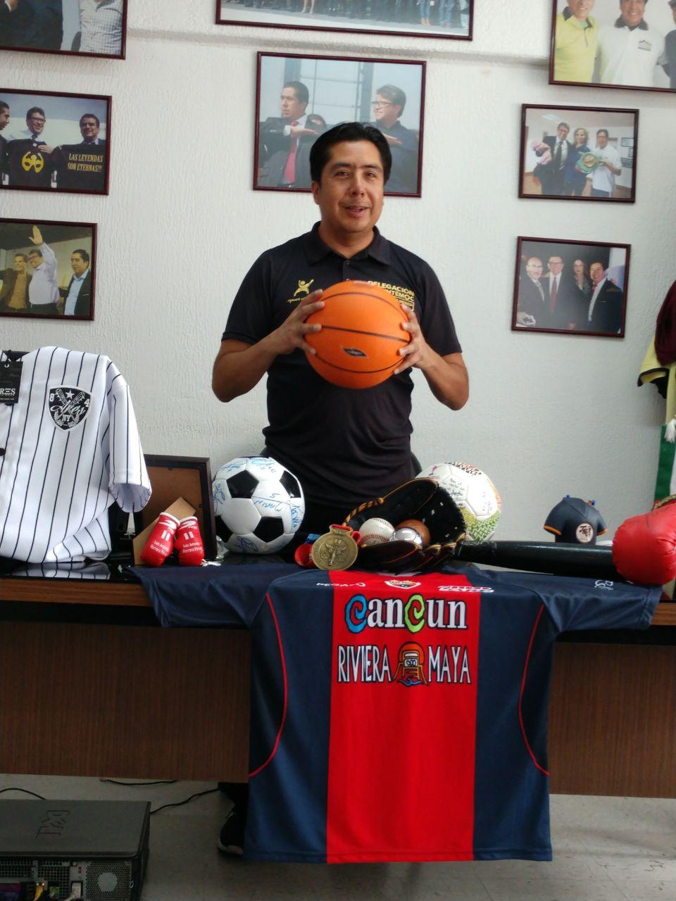 Lic. Héctor García Antonio subdirector de deporte  en la Delegación Cuauhtémoc 4
