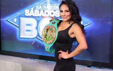 """Barby"" Juárez vence a Jackie Nava."