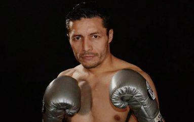 Jhonny González por su combate 77.