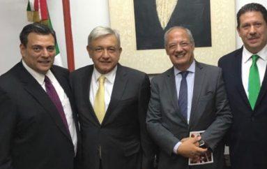EN LA CASA DE TRANSICIÓN PRESIDENTE ELECTO AMLO RECIBE A LA FUNDACIÓN SCHOLAS