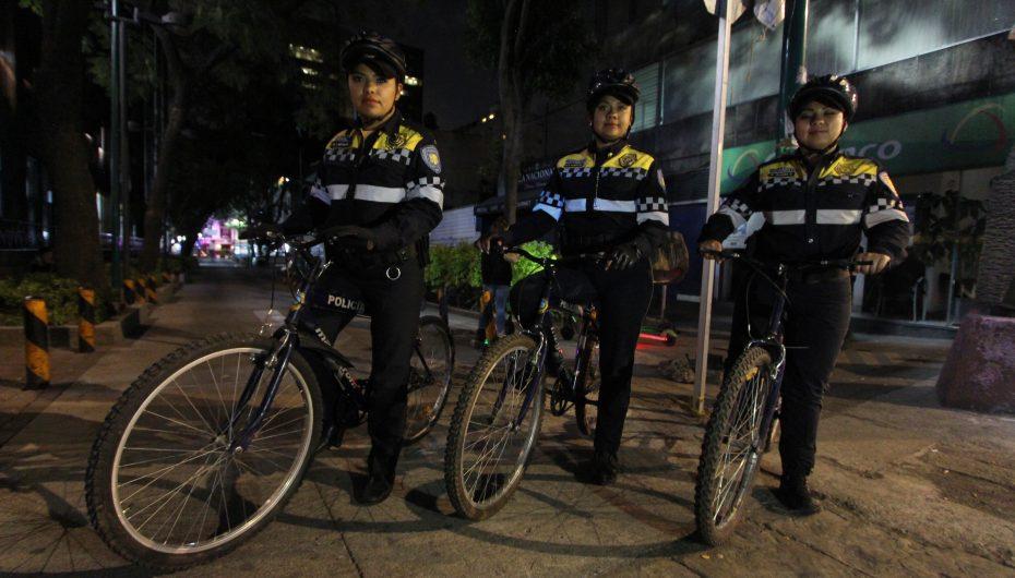MUJERES POLICIAS EN BICICLETA EN AUXILIO DE CICLISTAS CAPITALINOS: SSC MUJERES POLICÍAS EN BICICLETA EN AUXILIO DE CICLISTAS CAPITALINOS: SSC