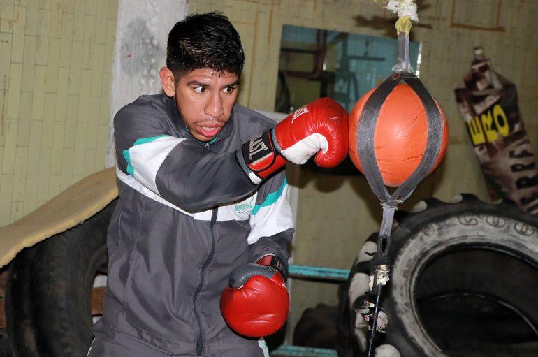 Jerson Aguilar enfrenta a Andrés Peribán en Neza.