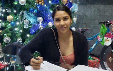 """CAMPEONA MUNDIAL """"COBRITA"""" LUNA FIRMA CONTRATO MULTUANUAL CON PROMOCIONES DEL PUEBLO."""