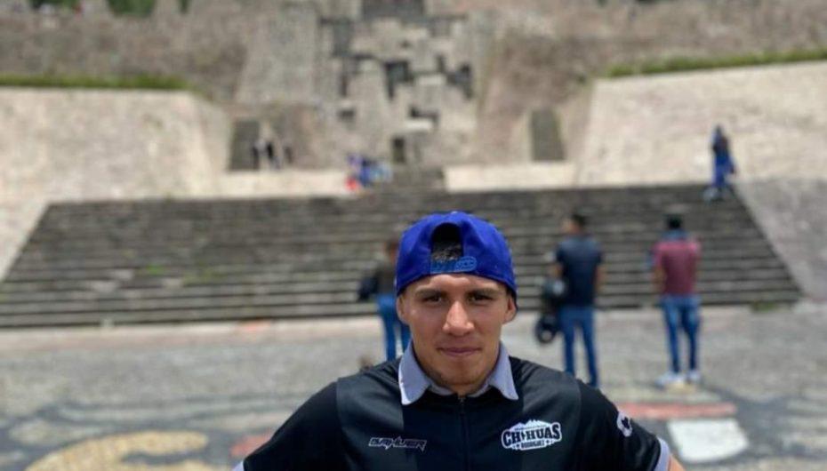 'CHIHUAS' RODRÍGUEZ REALIZA CAMPAMENTO EN EL OTOMÍ